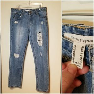 Life in Progress destroyed distressed jean sz 28
